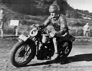 500MSS Velocette 2nd place N.Z. Grand Prix Cust 1938